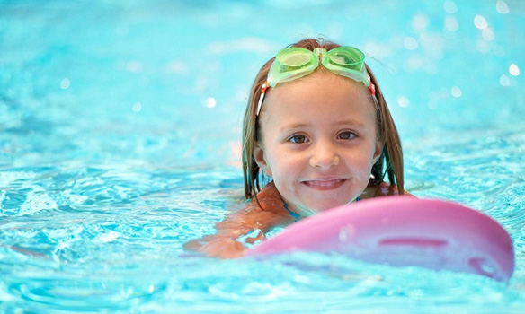 Cours de natation à caluire chez aquavia pour enfants